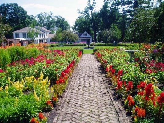 Kings_Garden_at_Fort_Ticonderoga__Ticonderoga_NY__Adirondacks__New_York_By_Rail.jpg