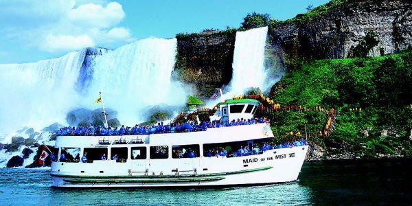 Maid of the Mist - Niagara Falls USA