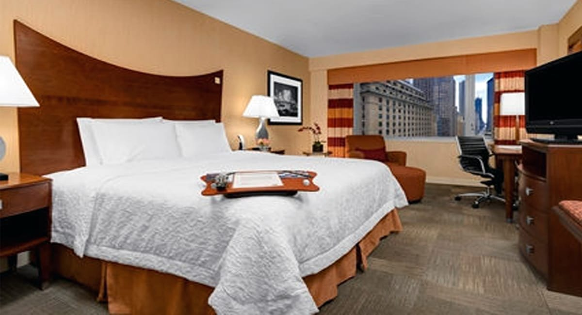 Enjoy a peaceful night in one of the hotel's 300 inviting guest rooms. | Photo from Hampton Inn Times Square North