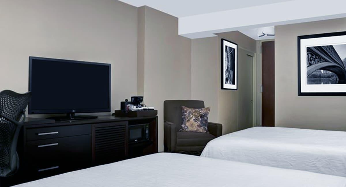 Hilton garden inn times square new york city new york for Garden guest room