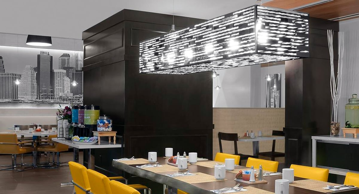 The hotel's in-house eatery, Paul's On Times Square Restaurant. | Photo from Hilton Garden Inn Times Square Central