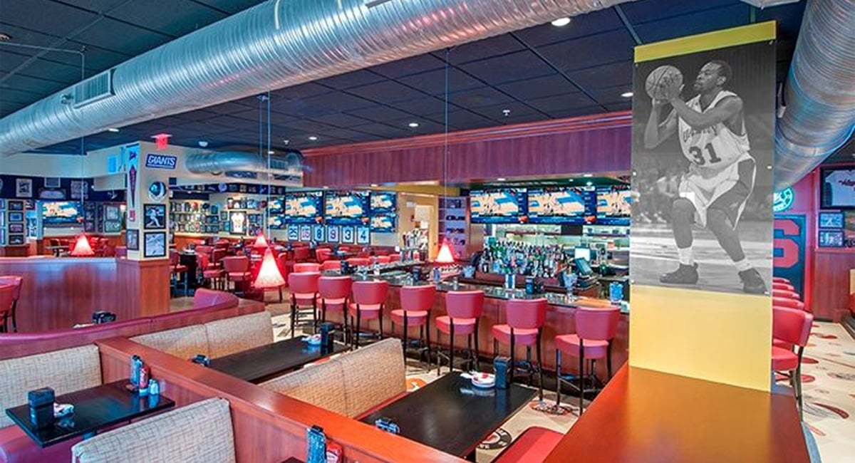 The award-winning Recovery Sports Grill, The Garden Grille & Bar® | Photo from Hilton Garden Inn at Albany Medical Center