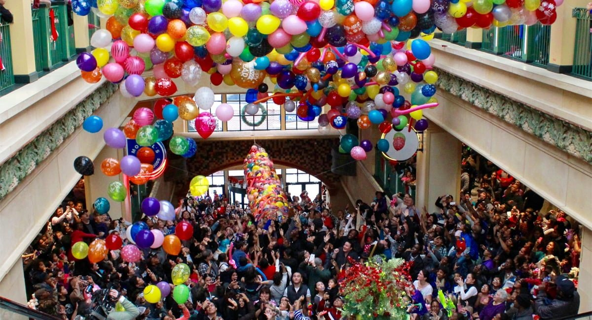 Families gathered at the New Rochelle atrium for Ring in the New Year at Noon. | Photo from NewRochelleDowntown.com