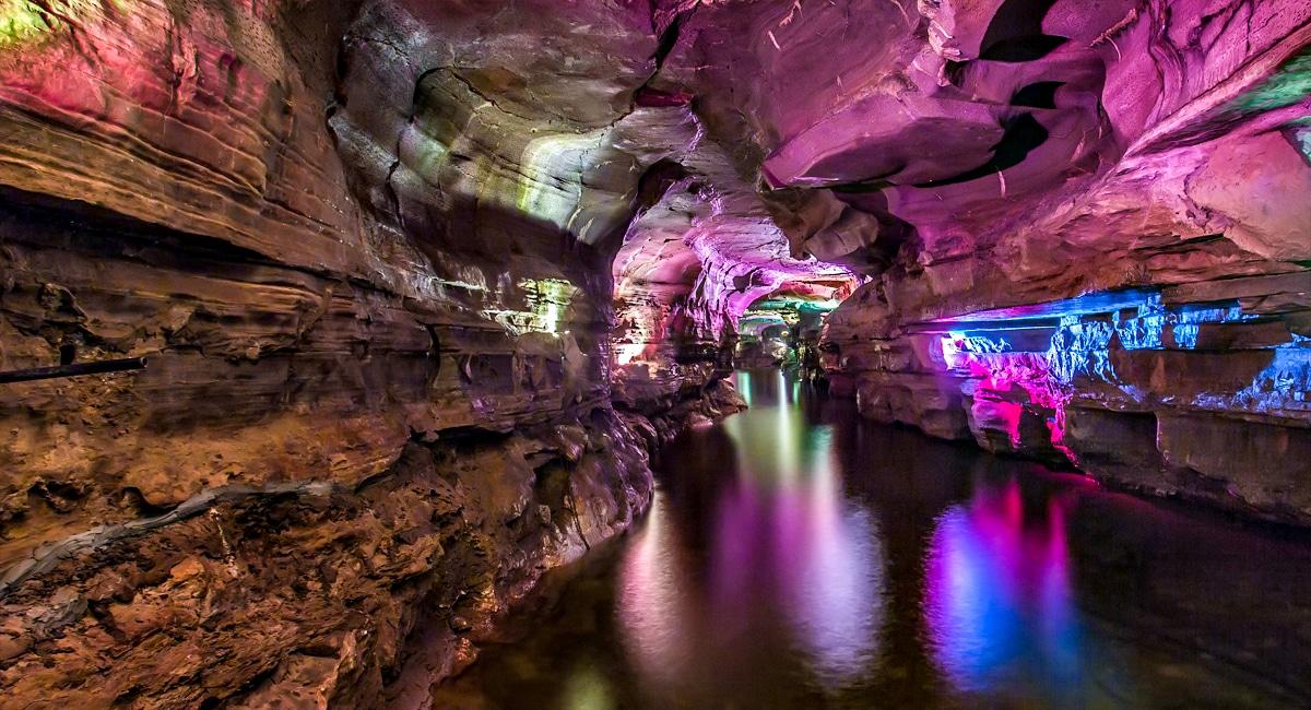 Howe Caverns, Lake of Venus