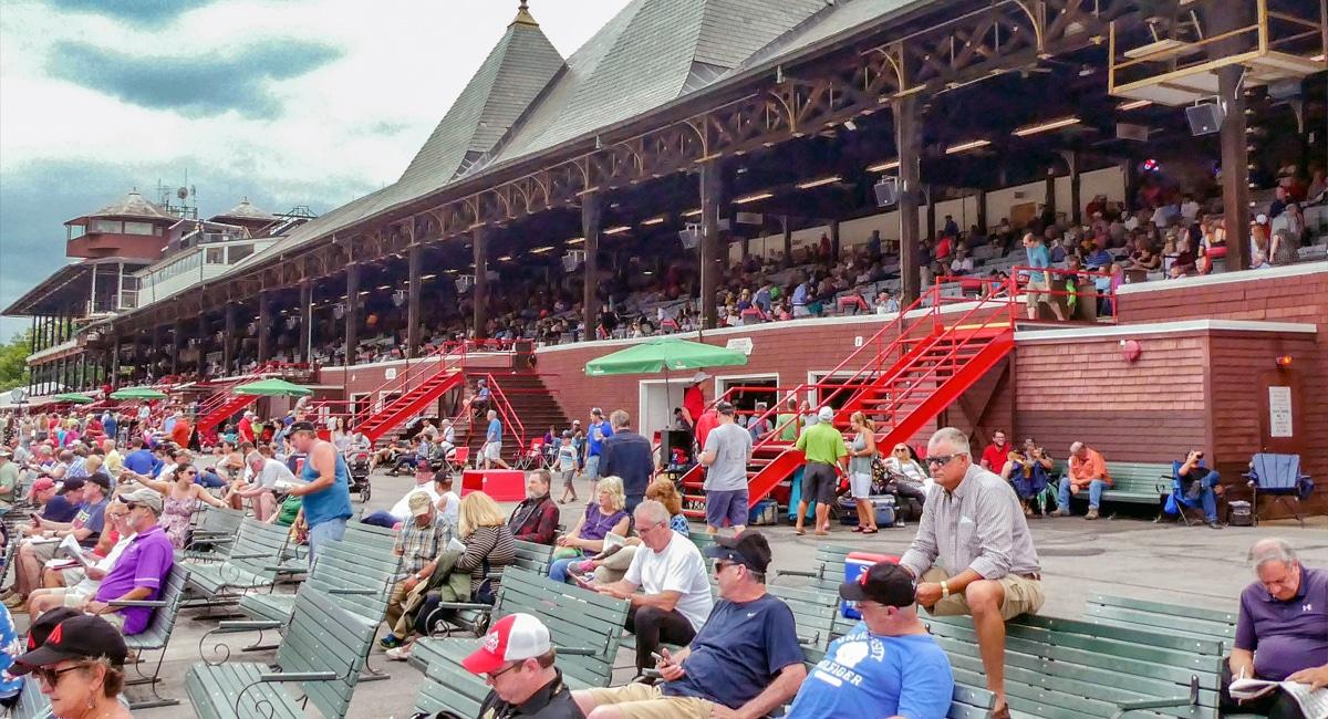 Saratoga Grandstand General Admission | Christine Hinz