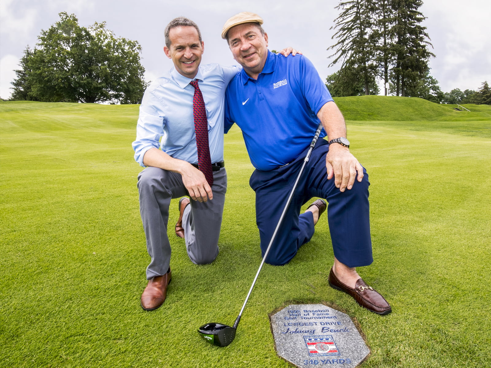 Jeff Idelson with Hall of Famer Johnny Bench at Leatherstocking Golf Course. | Photo Courtesy of Jean Fruth