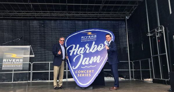 Harbor Jam at Mohawk Harbor | Free concert series during July and August at the dazzling Mohawk Harbor Amphitheatre. | Photo Courtesy of Mohawk Harbor