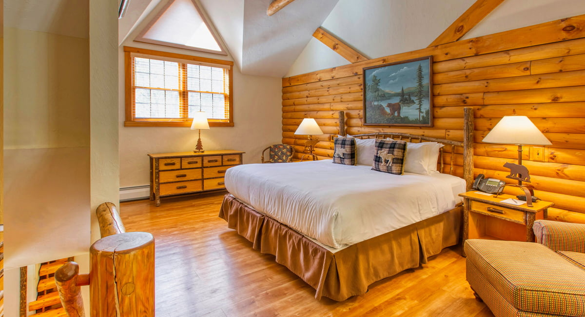 Emerson Resort & Spa | Junior Suite - Grey Wolf Room