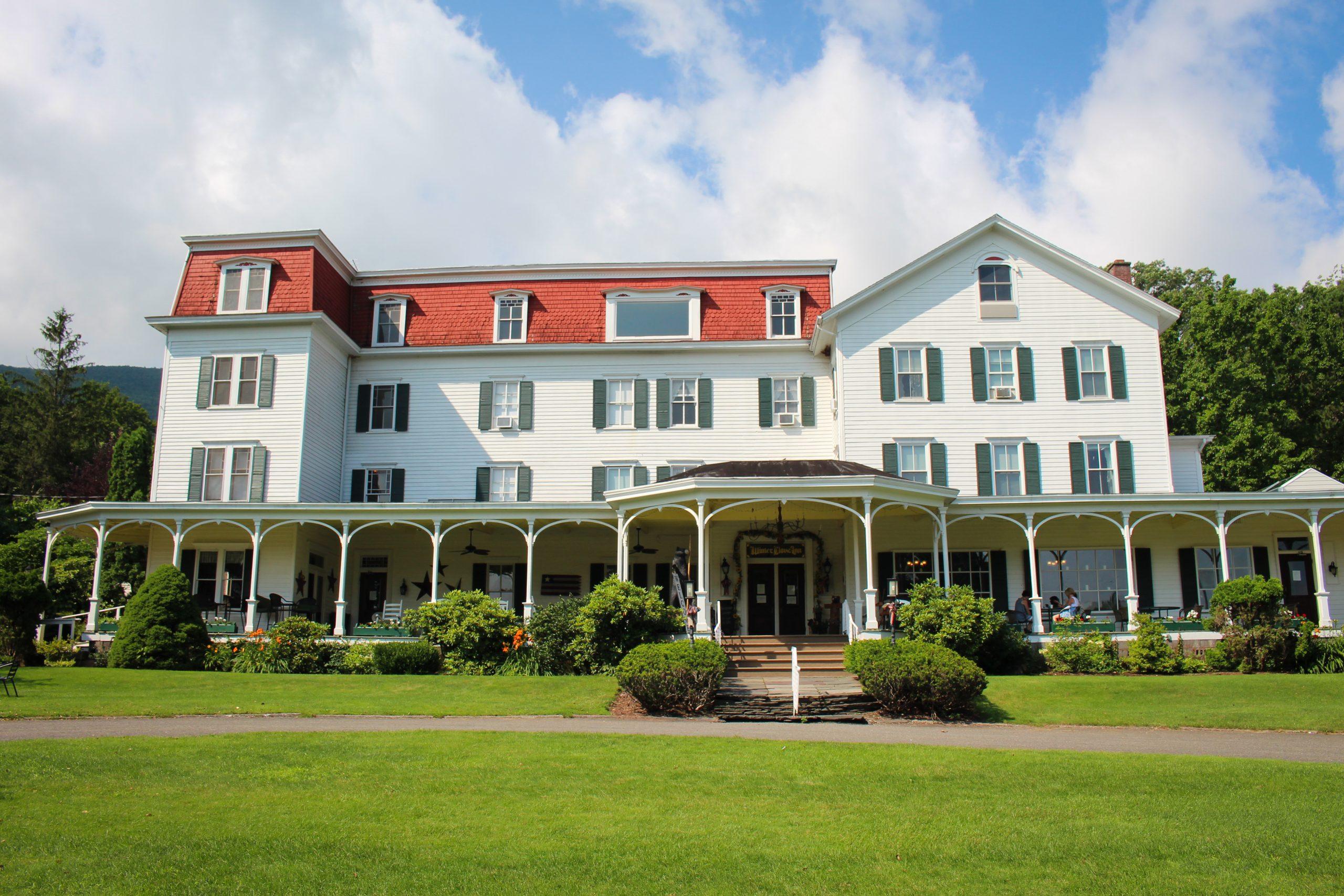 Winter Clove Inn & Resort