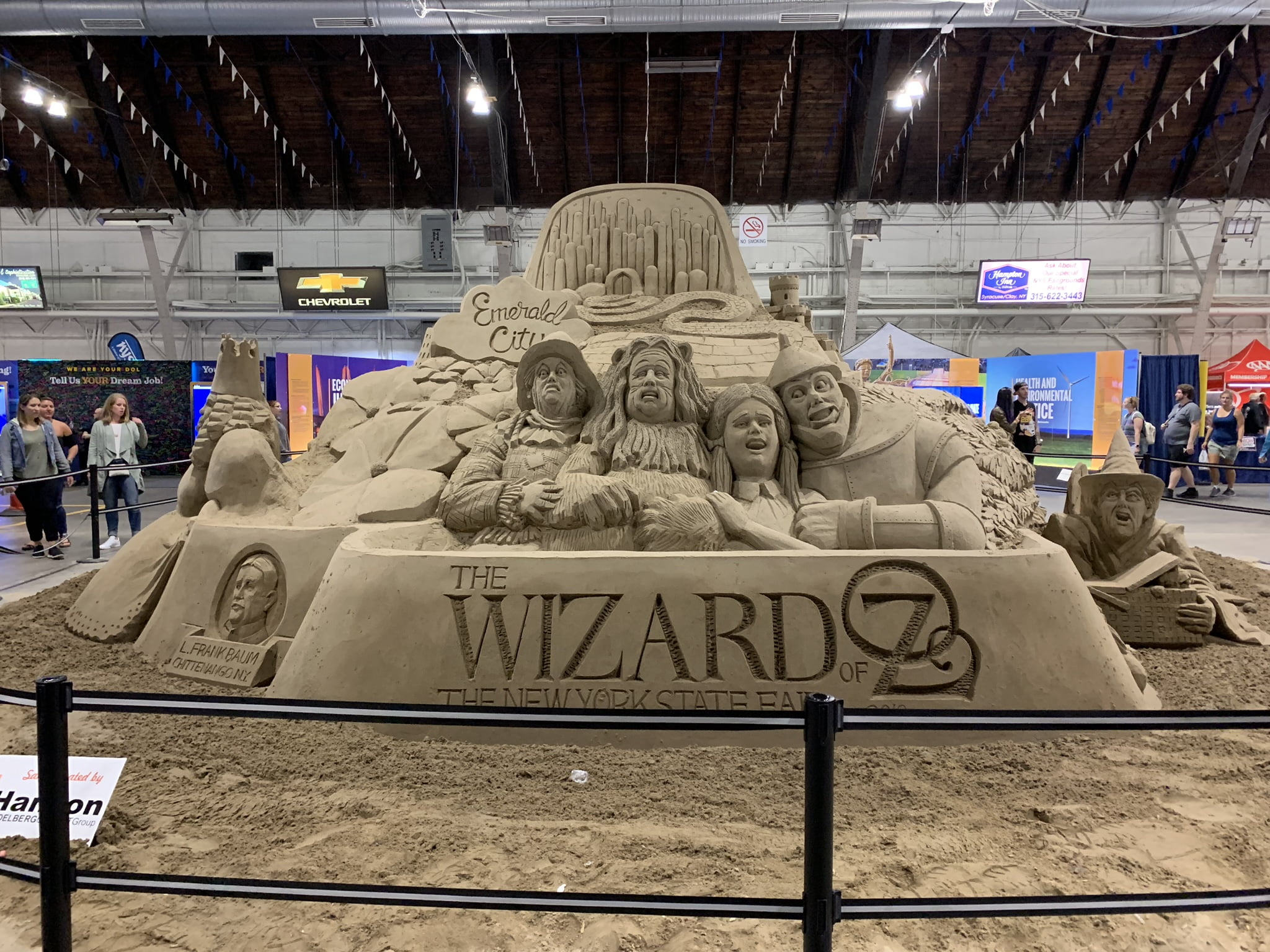 Wizard of Oz sand sculpture