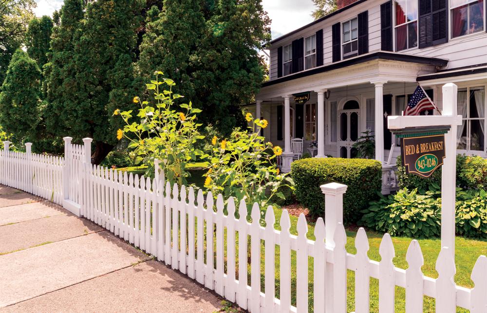 Caleb-Street's-Inn.jpg